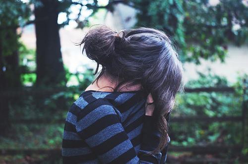 картинки с девушками брюнетками со спины: